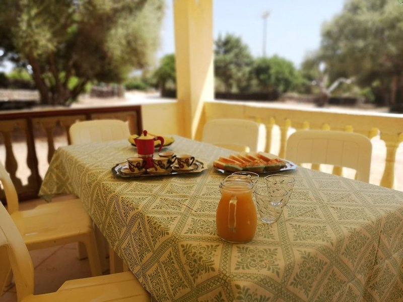 Casa con giardino a 800 metri dal mare di Orosei, holiday rental in Galtelli