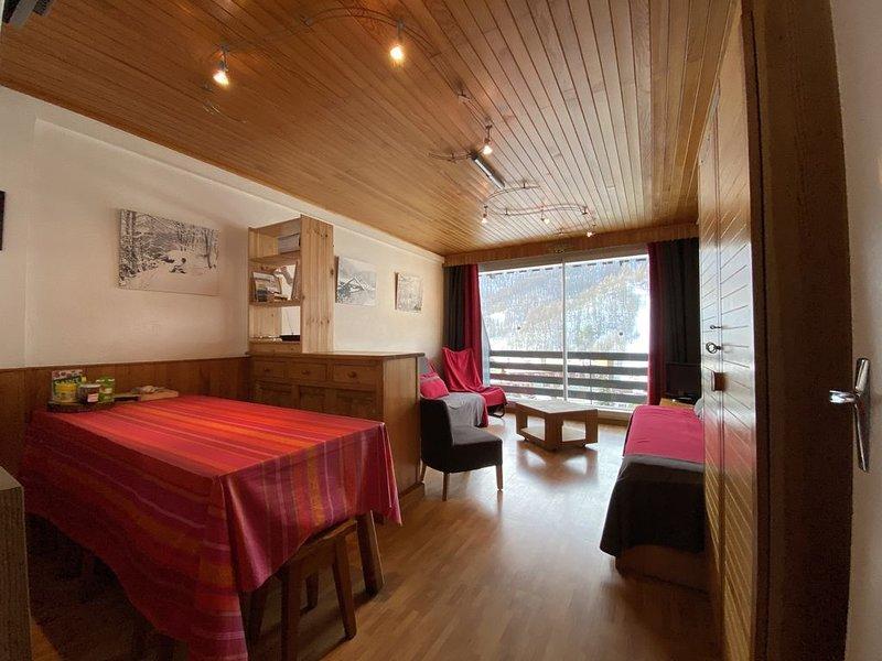 serre chevalier 1350 appartement plein sud 6 personnes WIFI, holiday rental in Saint-Chaffrey