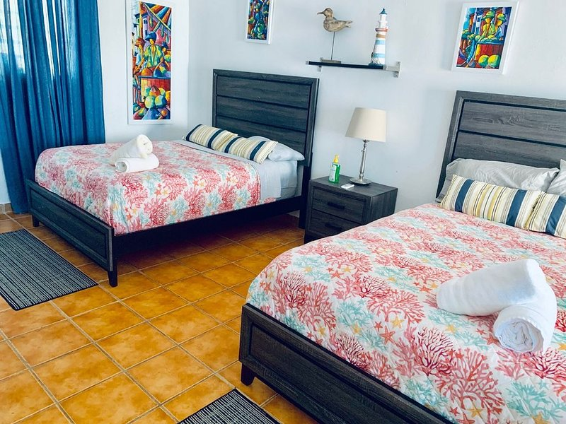DV 104 Deluxe Ocean View Suite/ Discovery Inn, holiday rental in Arecibo