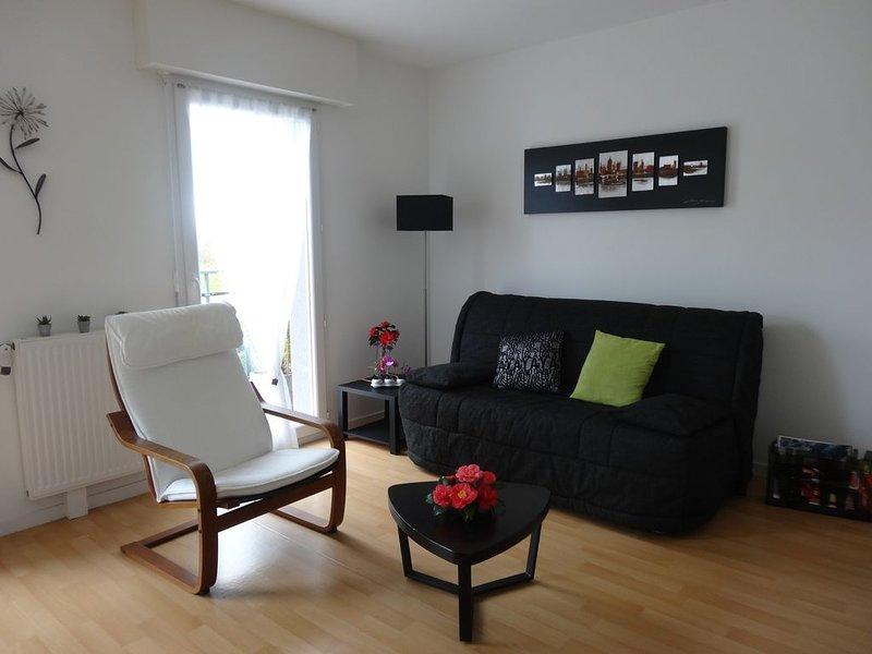 Appartement à Concarneau, proche mer, 4 personnes, résidence récente,Wi-Fi, holiday rental in Concarneau