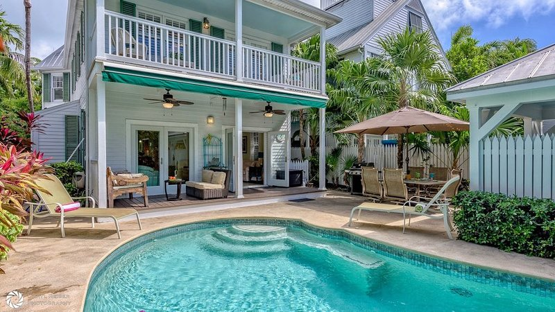 **BRISA FRESCA * THE ANNEX** Airy Home by Duval & Beach + LAST KEY SERVICES..., holiday rental in Stock Island