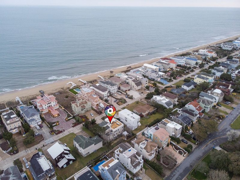 10Bd/10Ba Large Beach Home with Ocean View, Indoor Pool in Virginia Beach, alquiler de vacaciones en Virginia Beach