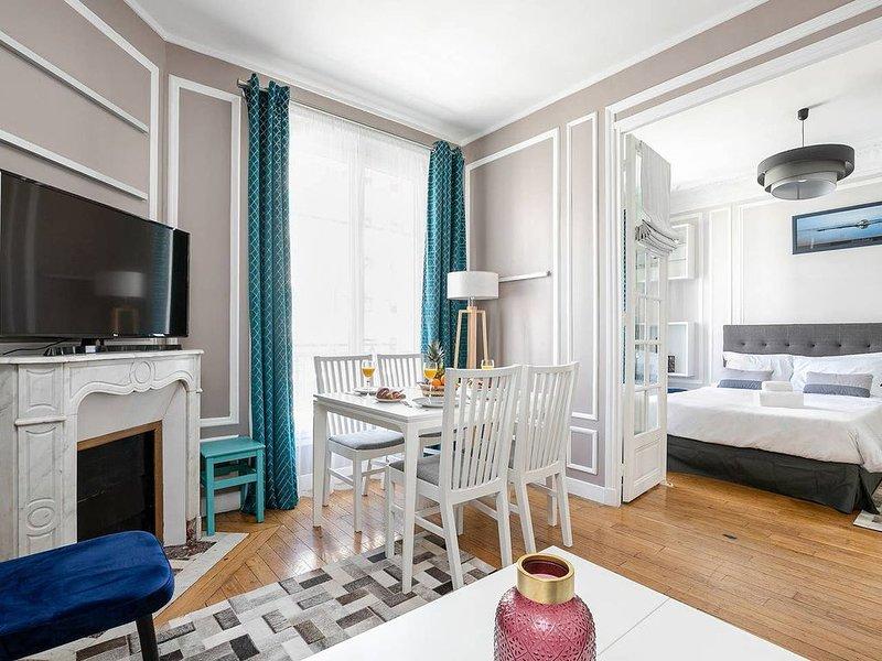 Appartement de Charme Prés de la Tour Eiffel, vakantiewoning in Hauts-de-Seine