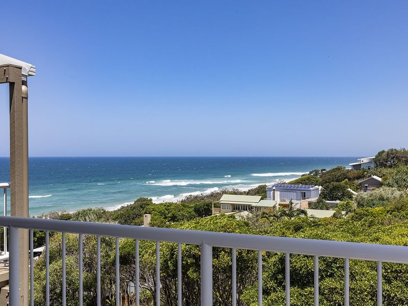 Wake up to ocean views in stylish comfort, holiday rental in Sunrise Beach