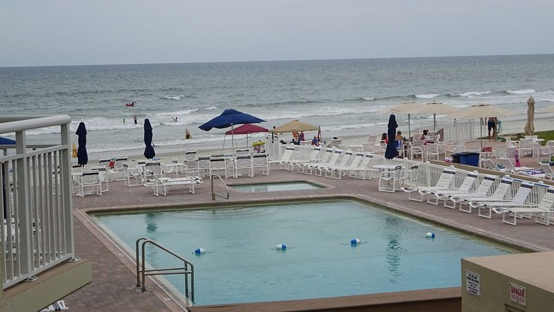 Brightly Furnish and Inviting, Beachy 3/2 Family  Condo, vacation rental in New Smyrna Beach