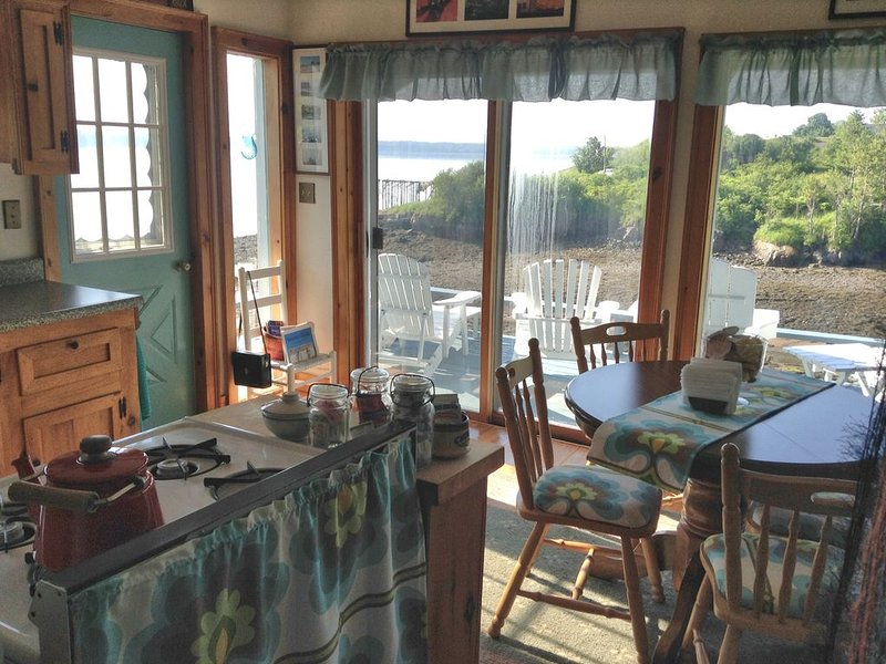 Sunrise, Whales, Tides and More!, vacation rental in Eastport