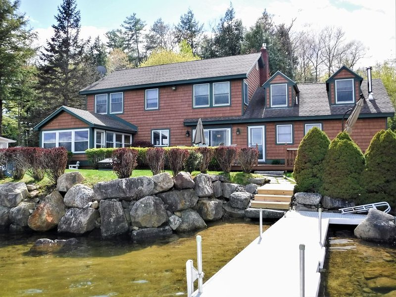 GED51Wa - Stunning Waterfront Home Lake Winnisquam, holiday rental in Loudon