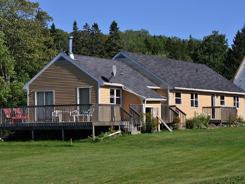 Hillsvale Farm Vacation, fully equipped cottage, casa vacanza a Windsor