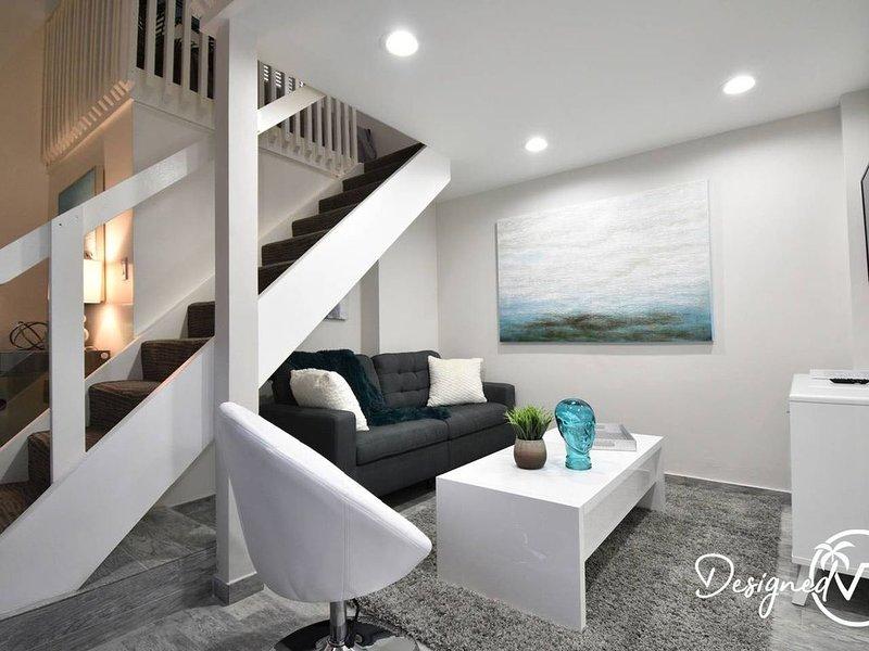 MODERN DELUXE 5 STAR LOFT HOLLYWOOD BEACH UNIT # 8, holiday rental in Hollywood