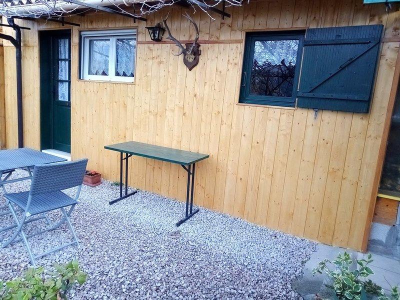 Chalet individuel. Montagne, Dépaysement, Calme et Soleil garantis, holiday rental in Breil-sur-Roya
