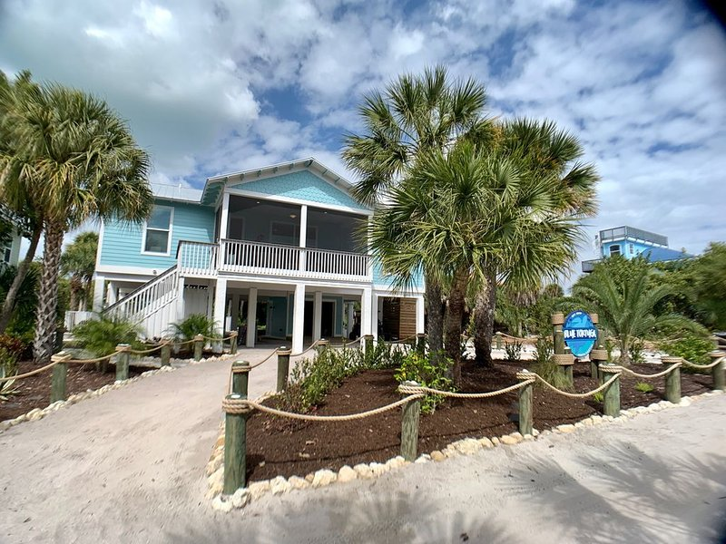 Tropical paradise awaits at the Blue Tortuga, holiday rental in Pineland