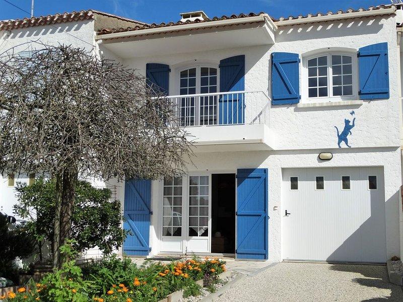 Maison 8 pers proche plage et centre de St Gilles, holiday rental in Givrand