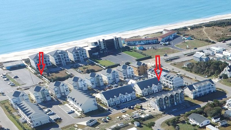 5* Reviews-Beautiful 3 story Townhouse with beach access and an on premise pool., holiday rental in Atlantic Beach