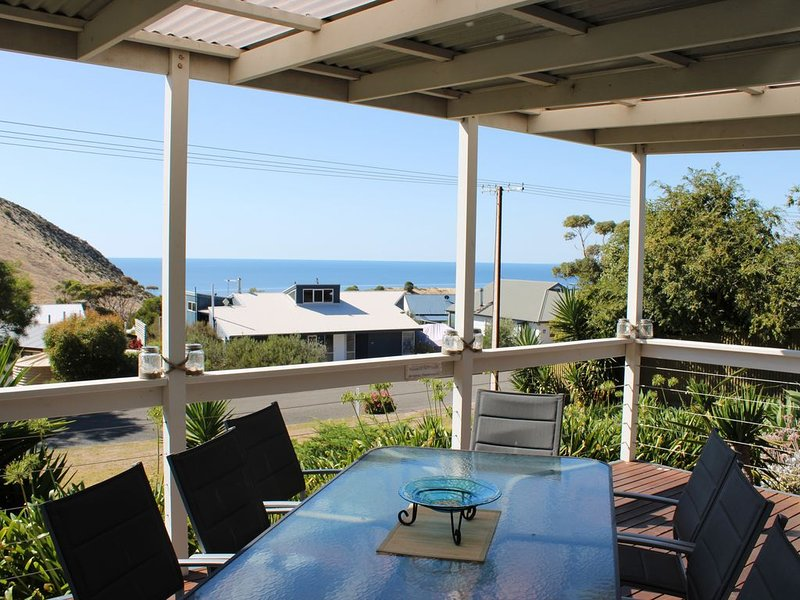 Sea-n-Stars * Second Valley - family and pet friendly, ocean views from the deck, vacation rental in Wirrina Cove
