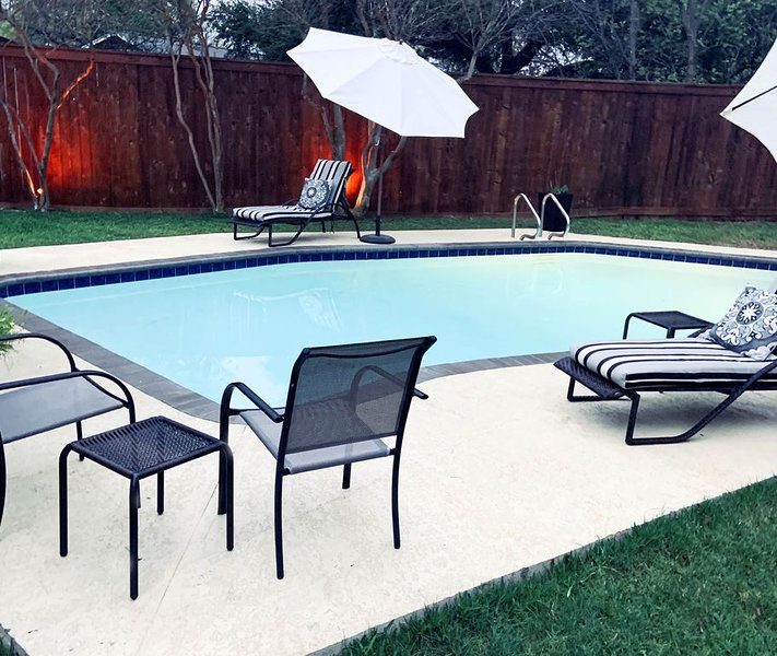 Private pool! Disinfected home. Easy cancellation policy., alquiler de vacaciones en Austin