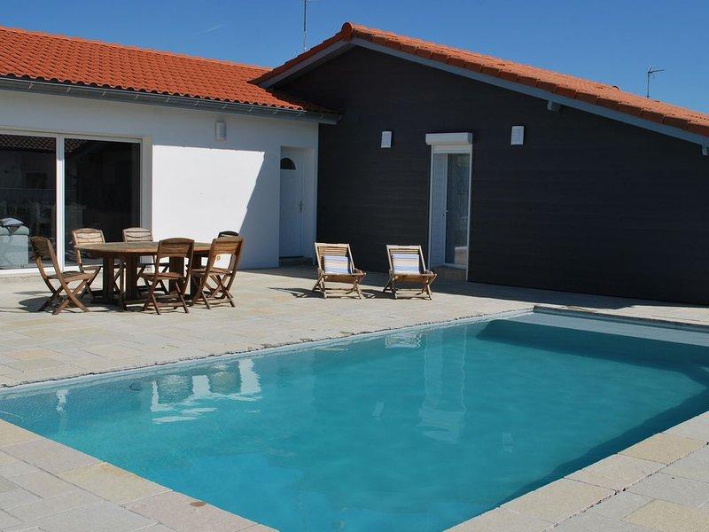 Maison familiale 4 chambres située au Sud des Landes -proche plage- grand jardin, holiday rental in Saint Andre de Seignanx