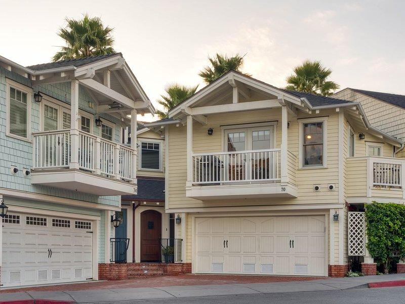 Luxury 2 Bedroom/2 Bath Condo - Steps To Beach & Town, holiday rental in Avila Beach