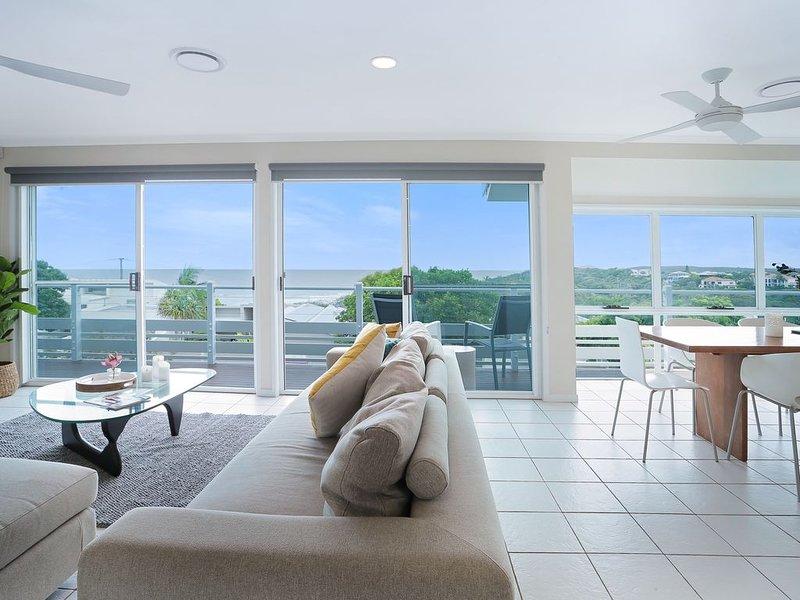 Expansive Ocean Views, Sunrise Beach, alquiler vacacional en Sunrise Beach