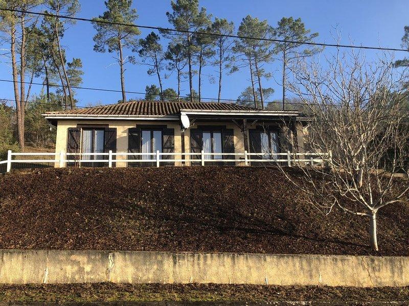 Belle maison de vacances, holiday rental in La Bachellerie