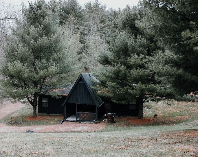 Cozy A-Frame with hot tub, holiday rental in Sugar Grove
