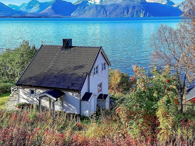 6 person holiday home in Olderdalen, alquiler de vacaciones en Troms