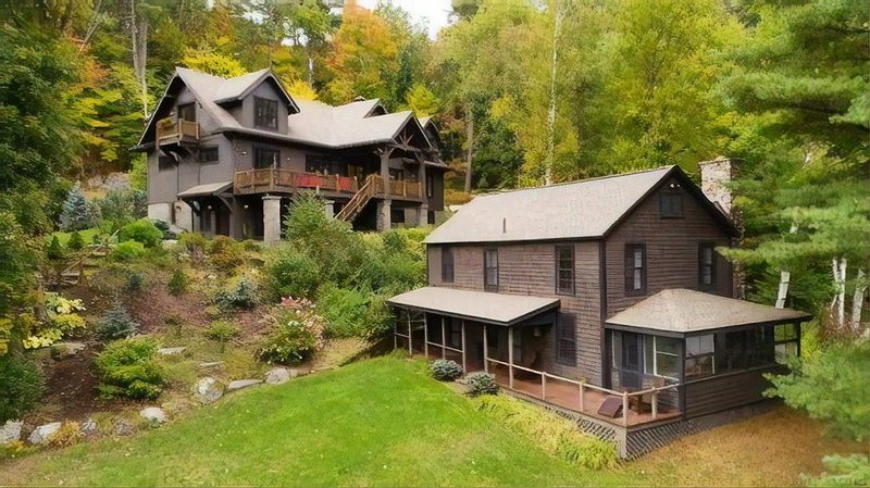 ADK Lodge & Lakeside Summer Cottage with 510' of waterfront, beach & island!, holiday rental in Tupper Lake