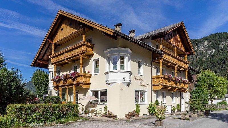 Traumhafter Ausblick, Balkon, Wifi, Ruhelage, casa vacanza a Mittenwald