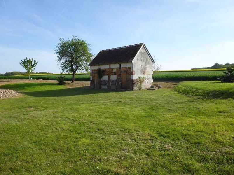 La Grange, fermette rénovée pour 6 personnes, location de vacances à Monthodon