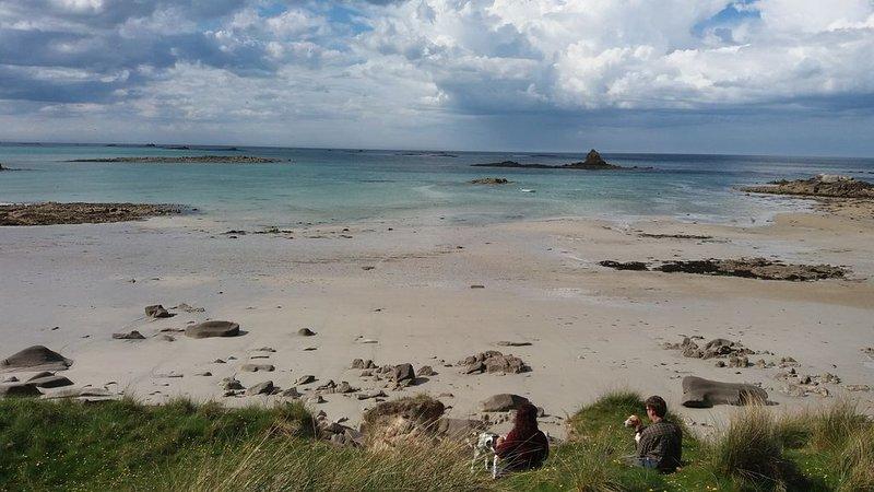 Maison familiale proche des plus belles plages du Finistère Nord, location de vacances à Landivisiau