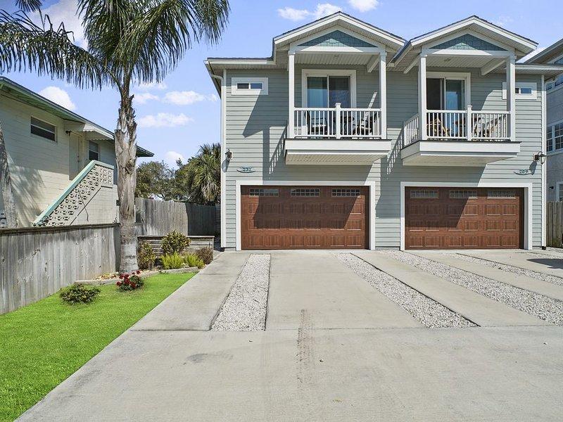 ~The Salty Mermaid~ Luxury Oceanview 3 bedroom 2.5 bath Townhome, holiday rental in Jacksonville Beach
