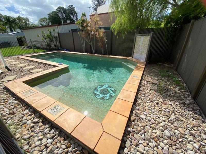 Turtles Rest - Toogoom- 2BR, Inground Pool, Pets Welcome, holiday rental in Toogoom