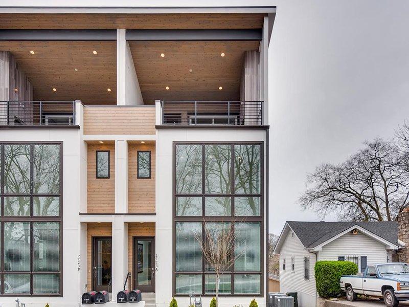 9- New Modern Home with Rooftop Fireplace, aluguéis de temporada em Oak Hill