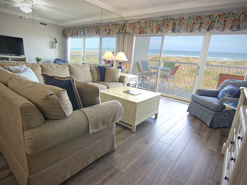 Oceanfront Condo with Ocean Views, holiday rental in Wrightsville Beach
