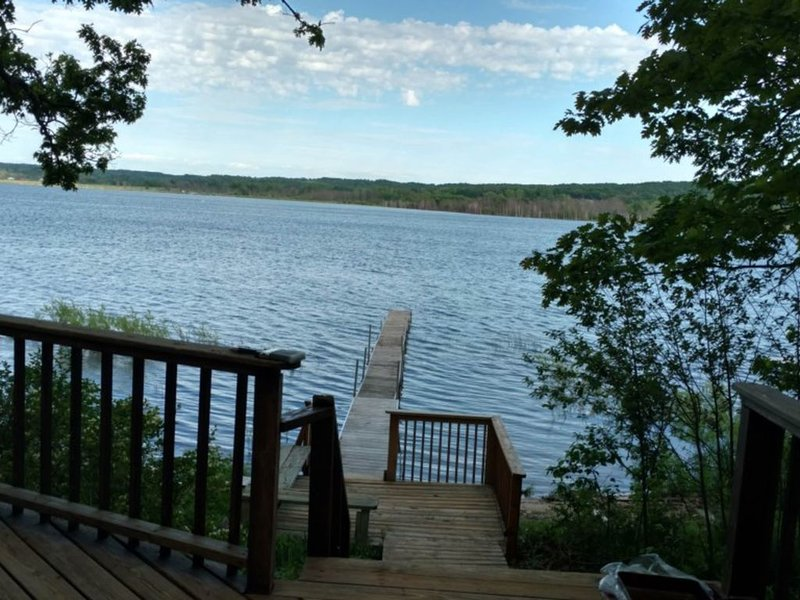 Family-friendly lodge w/ three decks, a private dock, & lake activities nearby!, holiday rental in Arcadia