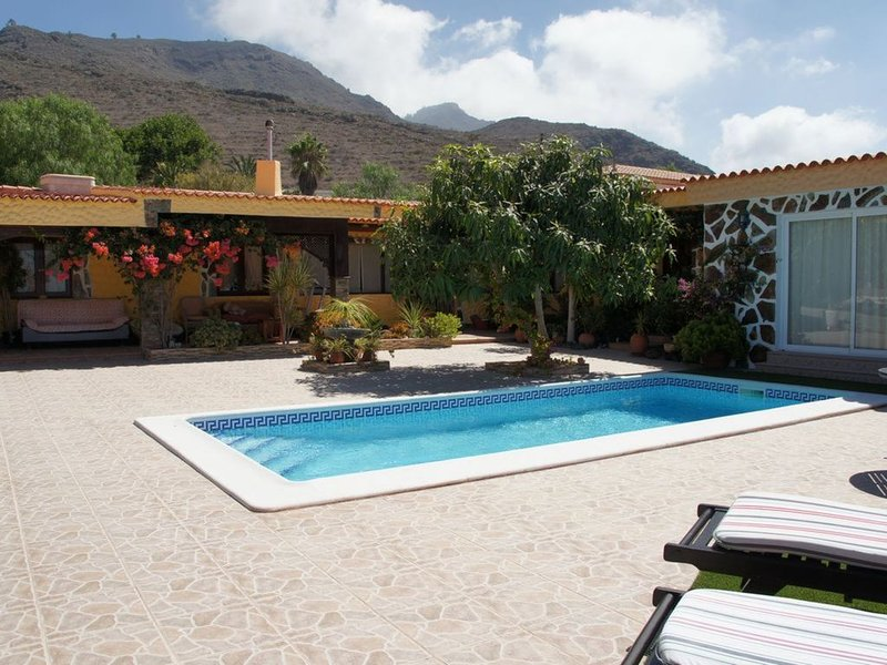 A Beautiful Villa With Stunning Views, holiday rental in Barrio Los Menores