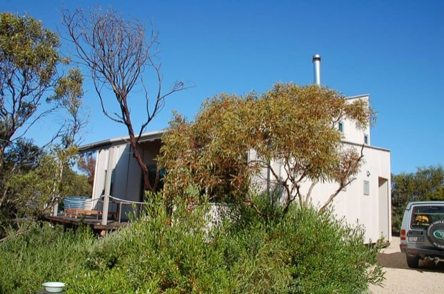 The Architects House - Architecturally designed home in a scrubland setting with, holiday rental in Inneston