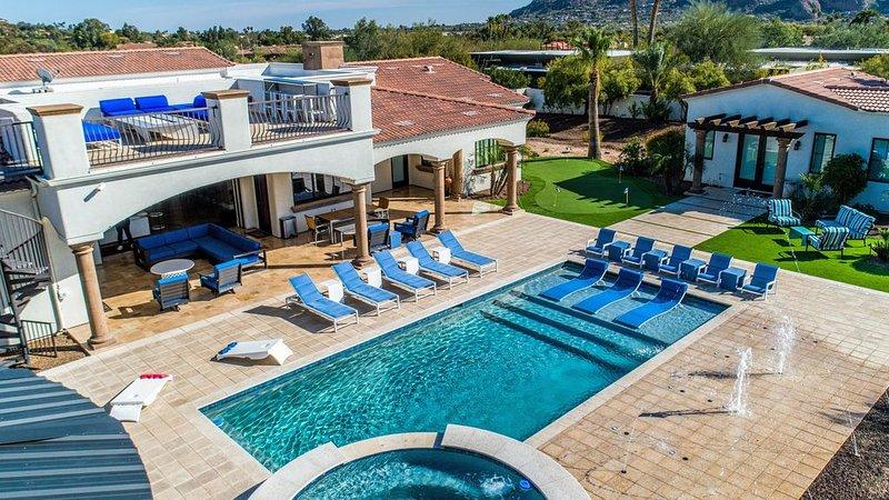 Dazzling Mansion with a Luxury Pool, Splash pad, Cooled Cabana, Basketball Court, aluguéis de temporada em Paradise Valley