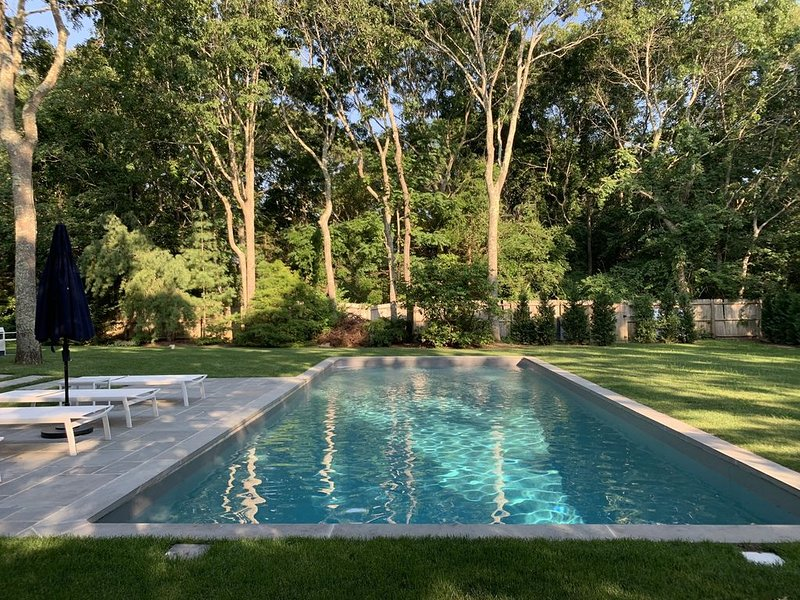 Chic Family Friendly House in East Hampton Village Fringe, alquiler vacacional en Wainscott