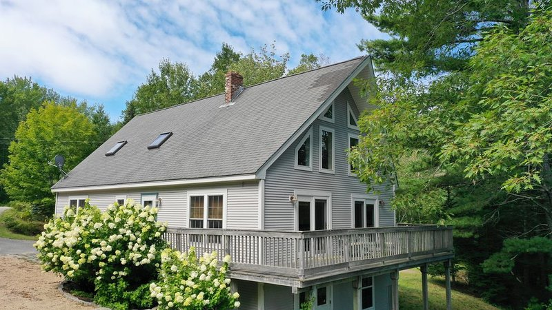 Oceanview -3 bed 2 bath in Surry, Maine near Acadia Natl Park, vacation rental in Ellsworth