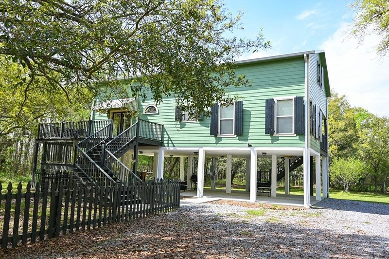 The Pass Downtown Treehouse, holiday rental in Pass Christian