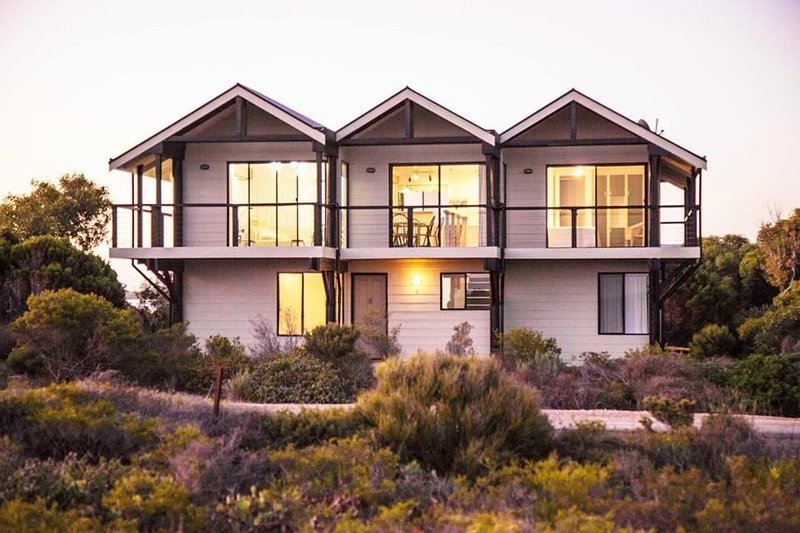 The Lookout - One Of The Best Ocean Views in Town, holiday rental in Inneston
