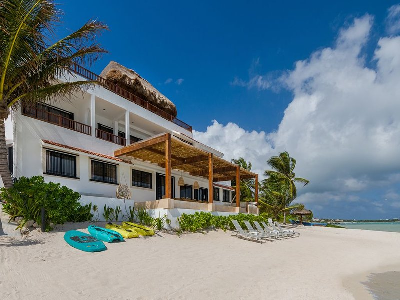 6,000 Sq. Ft. Villa with 3,000 Sq. Ft of Patios, Beach Infinity Pool, Rooftop Pool with Living Room!