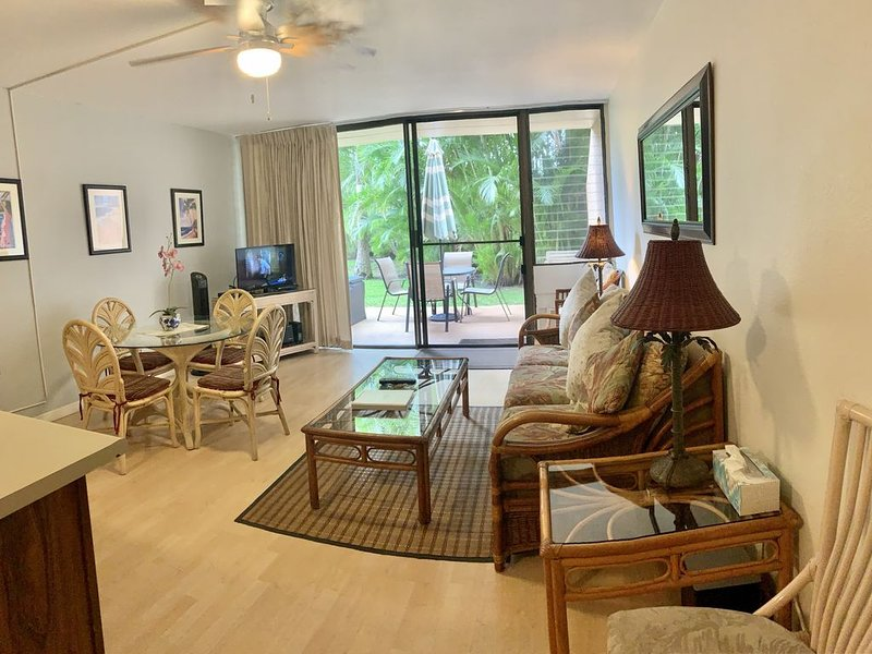 $75 SPECIAL! MAUI TRUE PARADISE**LOVELY GROUND FLOOR **SURROUNDED BY PALM TREES!, casa vacanza a Parco nazionale di Haleakala