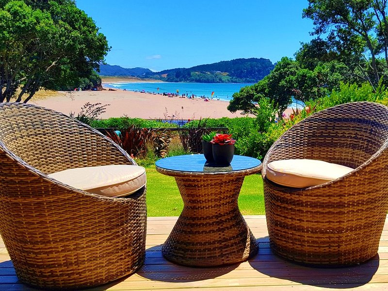 Ocean View Cottage - Beachfront - Amazing Views - Brand New  - Ideal for Couples, holiday rental in Hot Water Beach