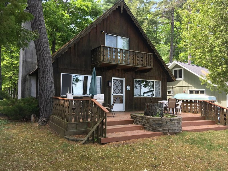 Grandview Chalet Mullett Lake.  June-August rentals are Monday to Monday., holiday rental in Cheboygan County