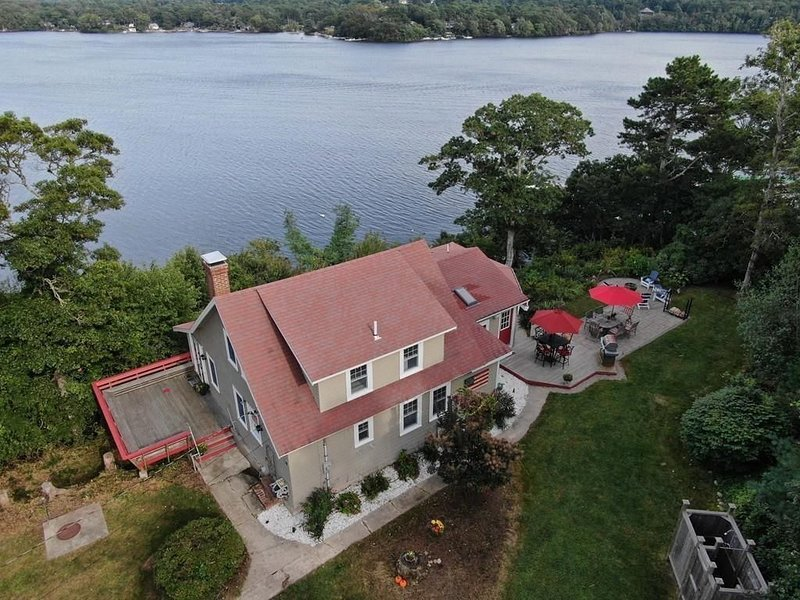 Great Herring Pond - Waterfront with private dock near Cape Cod Canal, holiday rental in Sagamore Beach