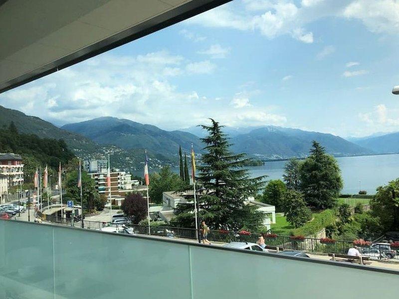 Incantevole Trilocale con Vista Lago Maggiore - BRISSAGO VISTA LAGO 1, location de vacances à Brissago