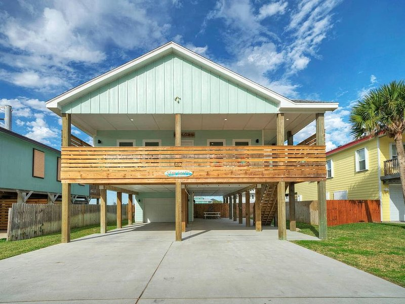 STAY SALTY *Boardwalk to the Beach *PRIVATE POOL, vacation rental in Port Aransas