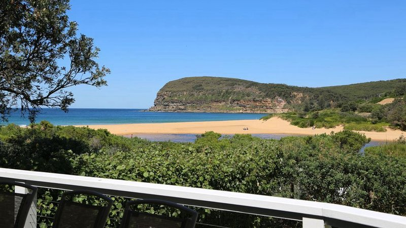 Castaway - absolute beachfront, holiday rental in Copacabana