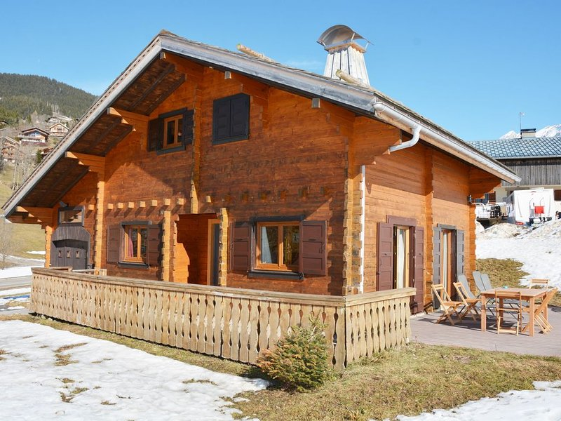 Chalet 3* 8 p, possible 10, skis aux pieds 300m école de Ski 4 park Ecole ski., vacation rental in La Clusaz
